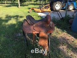 14.5 Tex tan hereford barrel saddle with 7 in gullet