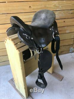15 Black Kuda Western Style Paso Fino Gaited Trail Horse Saddle with Suede Seat