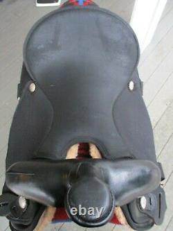 16'' Black Abetta Western trail /Barrel saddle Regular SQH BARS