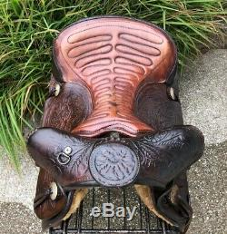 16 Vintage Western Saddle w Bear Trap Pommel & Tooled Horse Heads