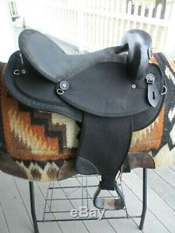 16'' black abetta Endurance western trail saddle QHBARS