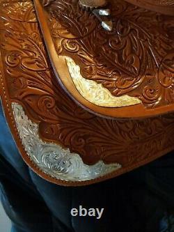 Alamo Western Show Saddle 16 Seat Quarter Horse Bars Excellent Condition