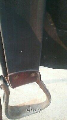Antique triple H Heiser 14 high back formfitter, Bear trap Western cowboy saddle