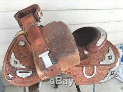 Beautiful used Silver Royal 16 tooled Western show saddle withsilver US made