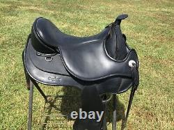 Black leather Barefoot Arizona treeless western saddle size 2 with VPS & EXTRAS