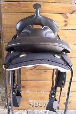 Circle Y High Horse El Campo Gaited Round Skirt Western Trail Saddle Black 16