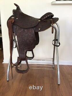 Circle Y Western Pleasure Equitation Saddle Dark Brown Round Skirt Tooling 15