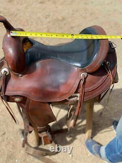 Circle Y western horse saddle