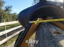 Circle y flex lite 17 inch Western saddle super comfy