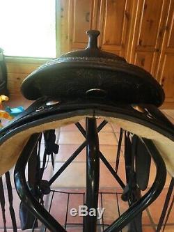 Circle y western saddle 16
