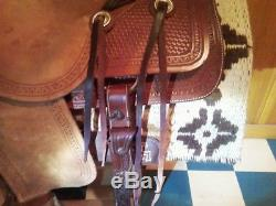Corriente Ranch Saddle 15 inch seat 7 inch gullet Excellent condition