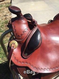 Parelli western fusion saddle in gorgeous brown leather with black trim