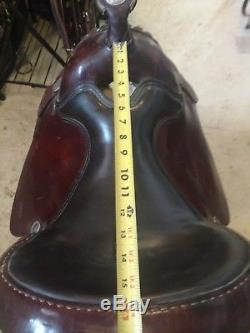 Silver Royal Arabian western saddle 15.5 model 2968