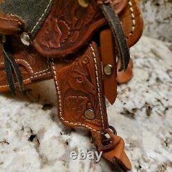 Traditional Breyer Size Western Saddle Model Horse Peter Stone Tack NICE