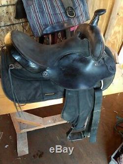 Used Black Fabtron 7107 Western Trail Saddle 16