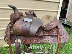 Used/Vintage 16 tooled leather TexTan Western saddle