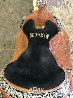 Western show saddle 16